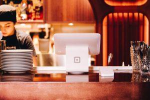 财务RPA如何为餐饮业带来新流程变革